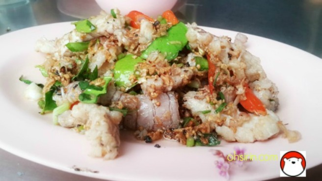 The star dish of stir-fried mantis shrimp meats with herbs, garlic and chilies