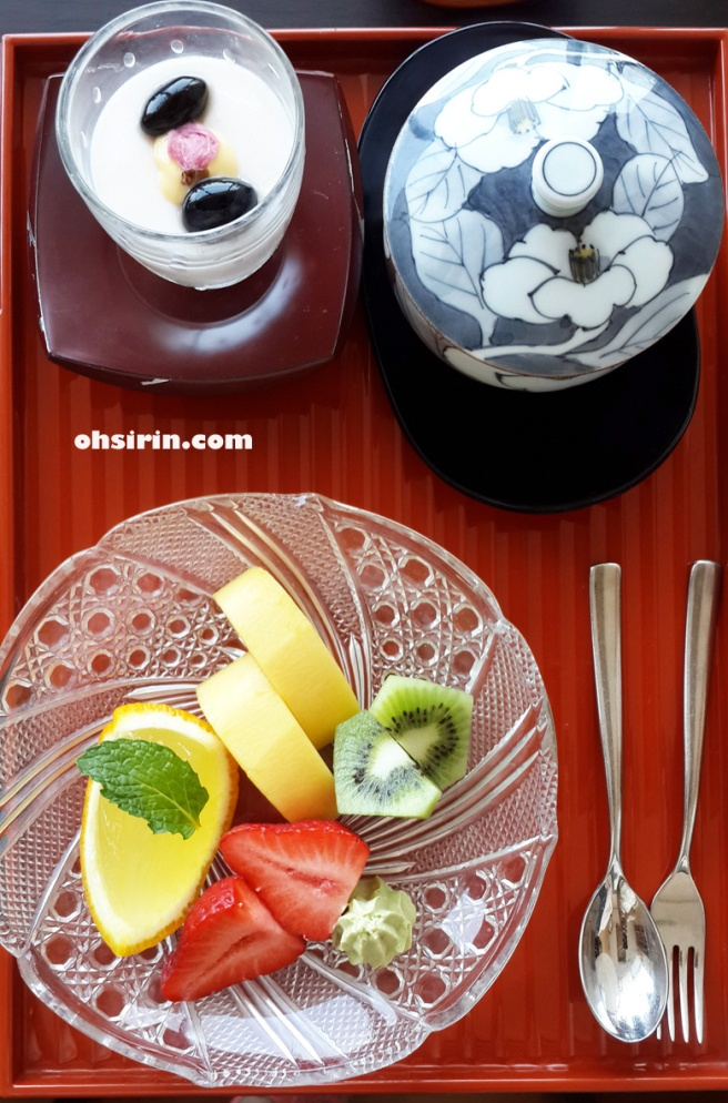 My favorite of gorgeous fruits, sakura pudding and green tea for dessert