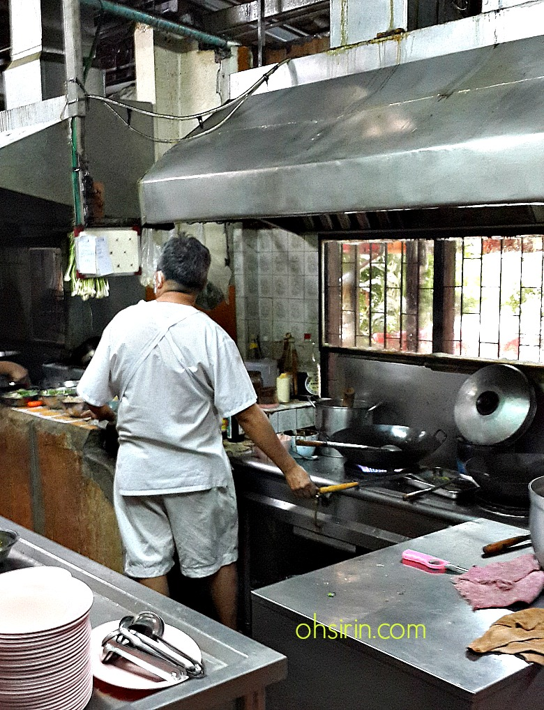 The wok-dominant kitchen of Lert Ros