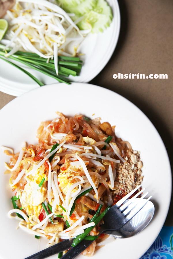 Pad Thai at Lan La Mai restaurant in Koh Samui
